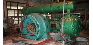 变频器在河池华锡集团铜坑矿的同步机带压缩机的应用
