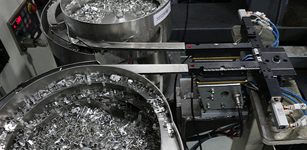 三菱工业机器人在注塑机上下料的应用