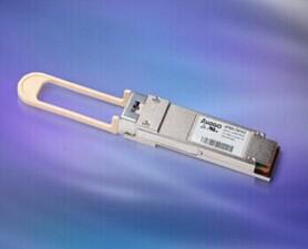 业内第一个支持4x16G FC和4x10G 以太网的QSFP+光收发器模块