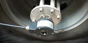 严苛环境中的高精度测量利器——堡盟HS35P编码器助力道路检测车应用