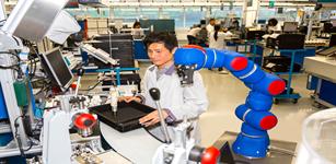 机器人与人类携手合作