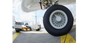 在停机坪上的安全防护——利用驾驶辅助系统 APS 避免事故和碰撞