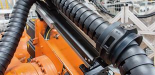 易格斯:工程塑料拖链解决方案助力自动化产线升级