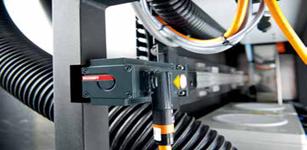 倍福基于运行于 TwinCAT 3 系统的 CX5120 嵌入式控制器的涂层机控制