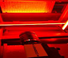使用In-Sight 8405智能相机准确识别子弹底部标识
