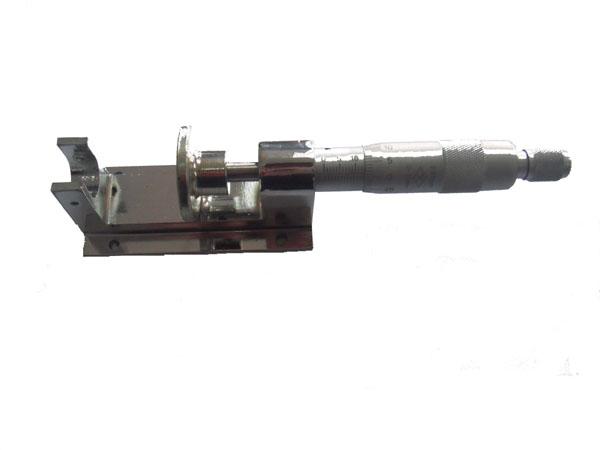XQ-15位移静校器
