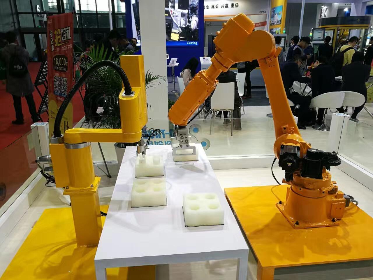 合信技术多机器人系统控制方案