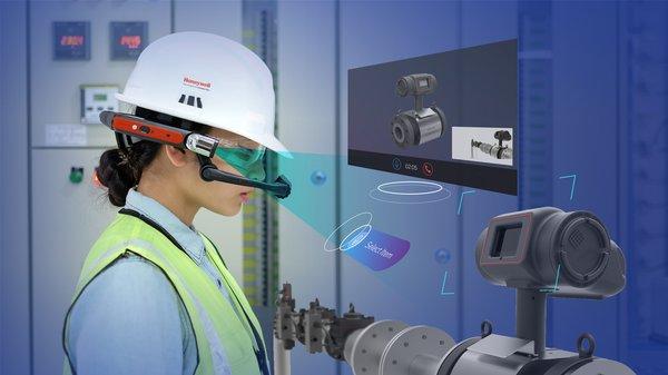 霍尼韦尔发布互联工厂SkillsInsight智能穿戴设备,可让现场工人实时连线远程专家