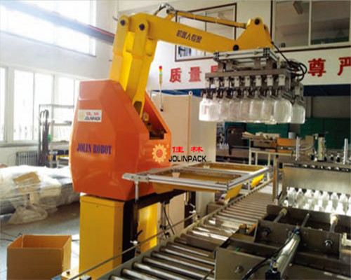 塑瓶装箱机器人-装箱机器人-大输液装箱机器人