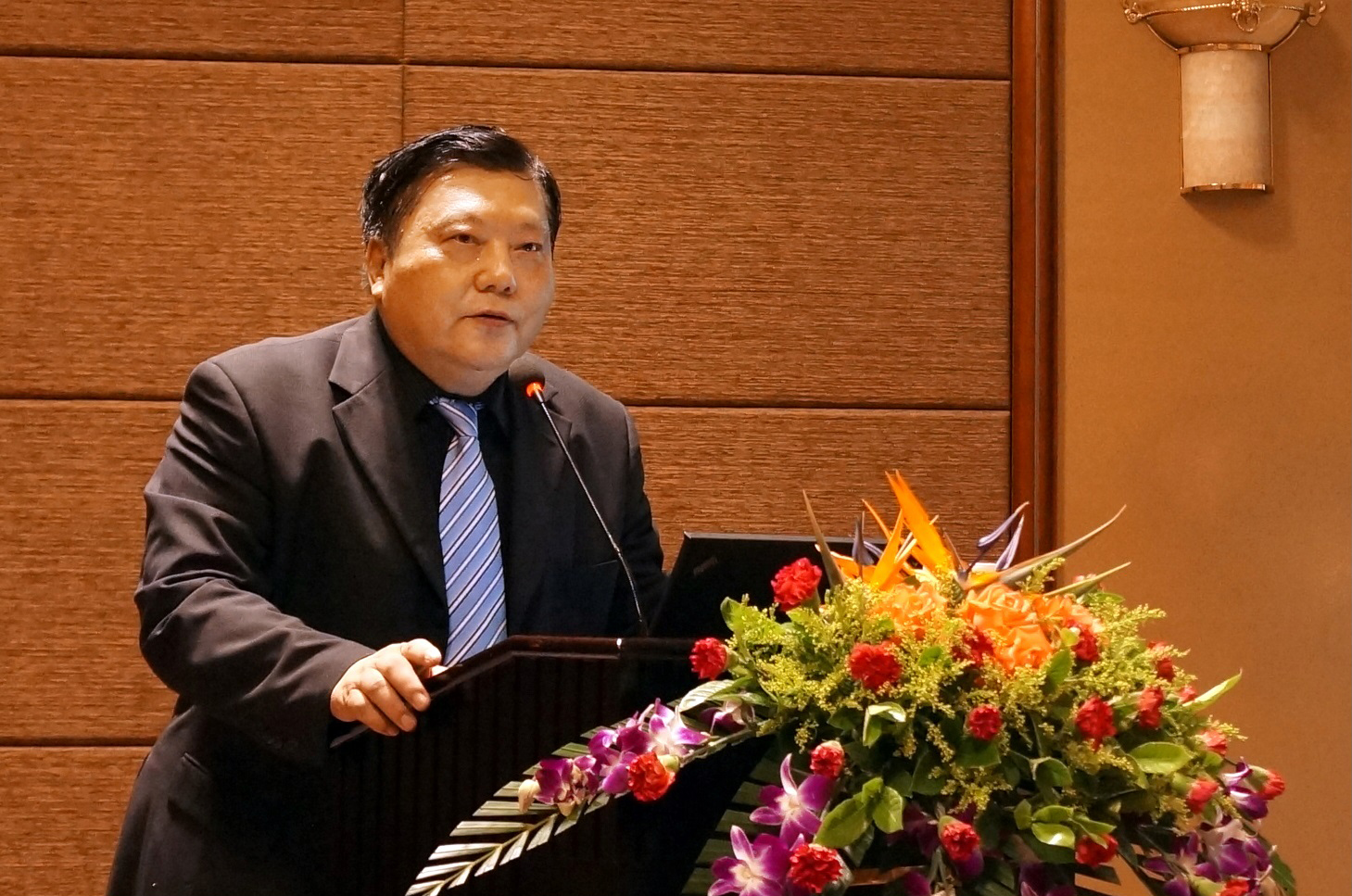 对话中国工程院院士吴锋,发展动力电池需两手抓