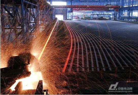 """武钢自主研发的全长""""淬火轨"""",运了800吨到东南亚铺铁路"""