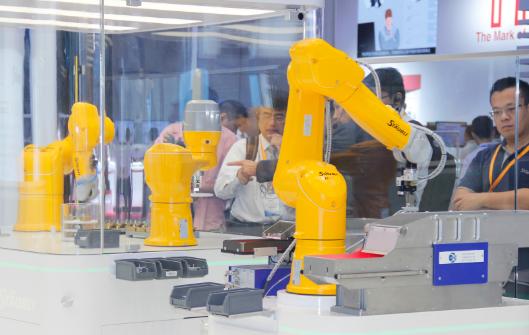 中美贸易战之下,全球工业机器人市场放缓