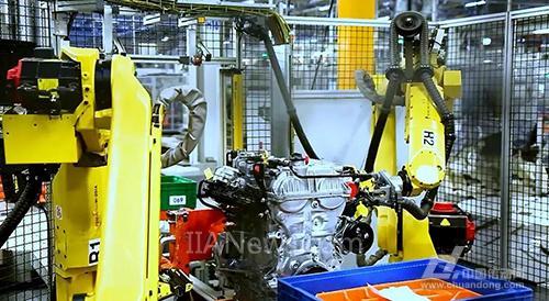 协作机器人赋能汽车发动机柔性生产