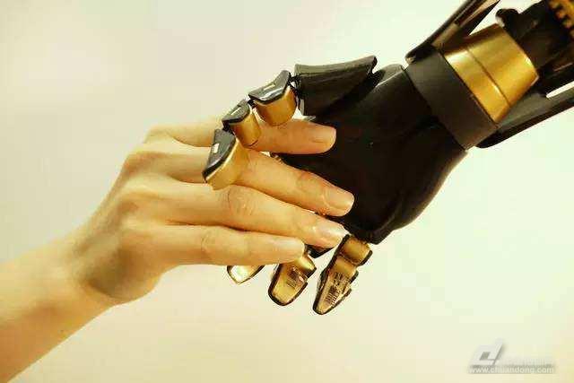 下一代人机界面或将研发触觉交流
