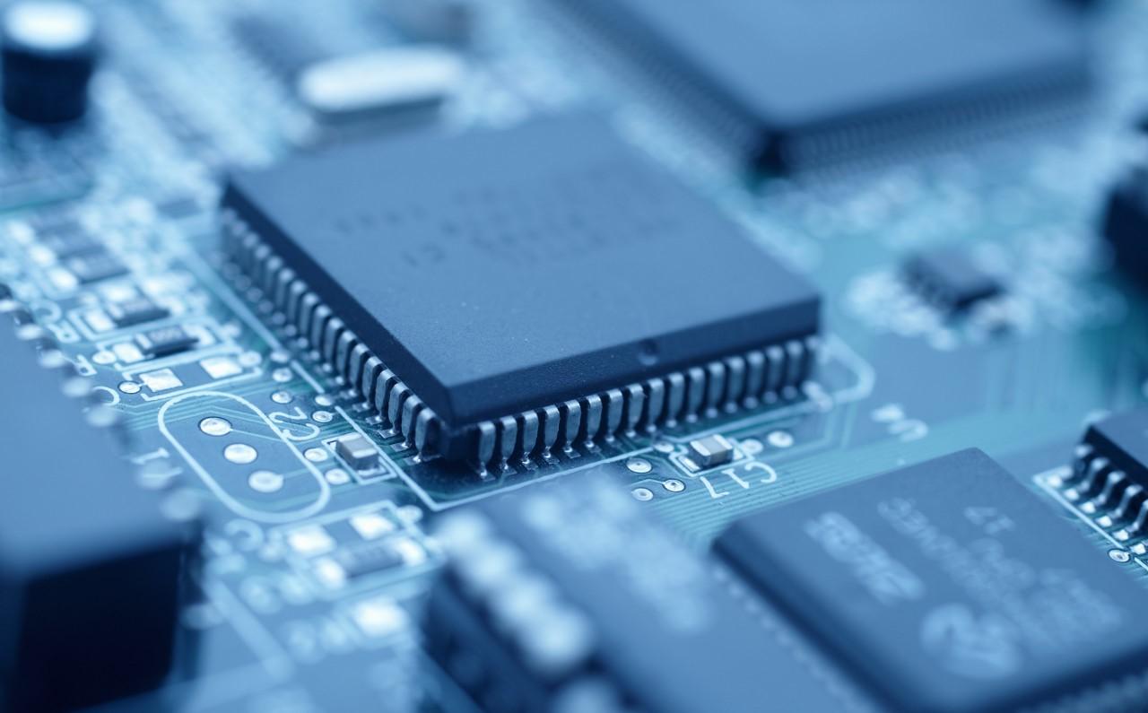 芯片制程不断缩小 12寸硅片市占率提升、市场高度集中