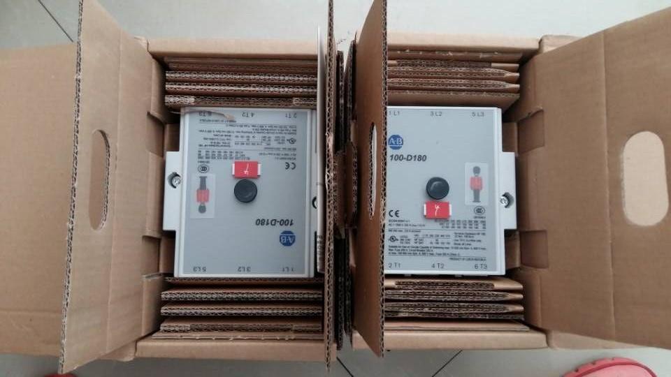 100-DX系列交流接触器100-DX135KF22