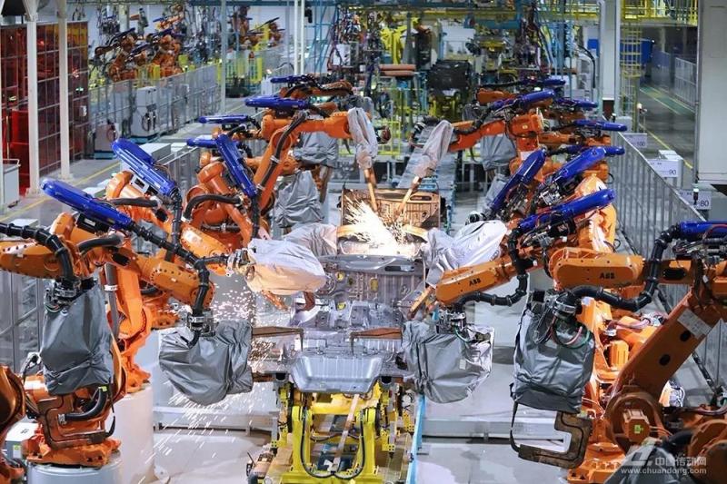 250台ABB机器人,196把尼玛克焊钳,国产智能造车厂曝光!