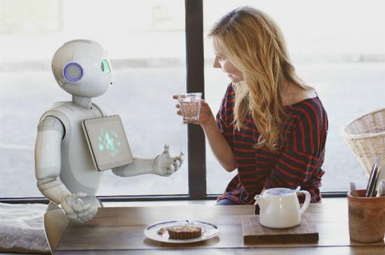 服务机器人打破僵局,500亿美元市场开启