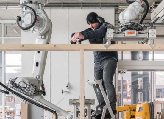 数字化已经进入木材建筑领域,机器人协作不再是假想