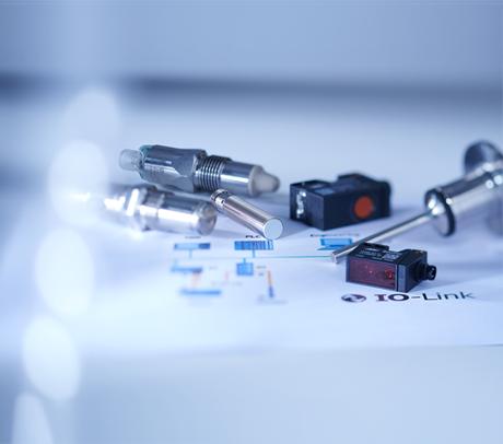 堡盟带IO-Link接口的传感器:功能更多,性能更优