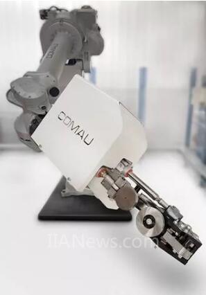 柯马为轻量化汽车和电动汽车制造业推出革命性滚边工艺