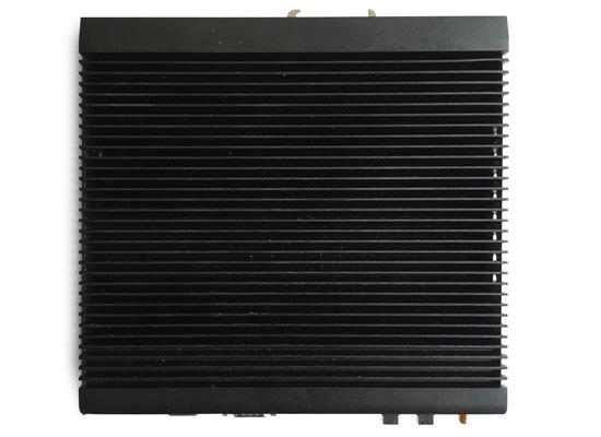 紧凑型无风扇多网口嵌入式工控机