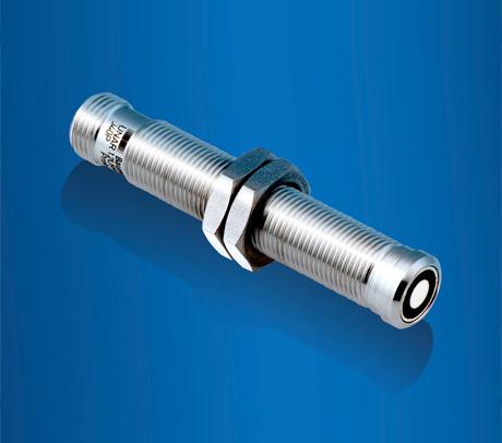 堡盟带专利涂层的微型超声波传感器:轻松胜任腐蚀性介质的物位测量