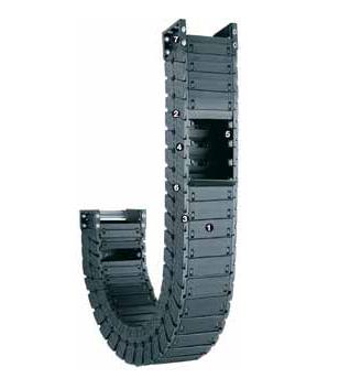 易格斯R6.40系列 - 拖管,盖板可沿两侧拆卸移除